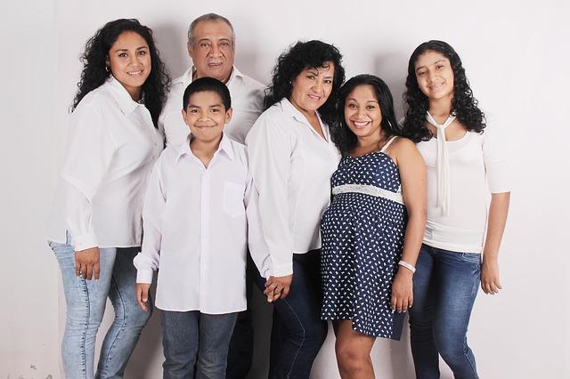 family-photo-827763_640